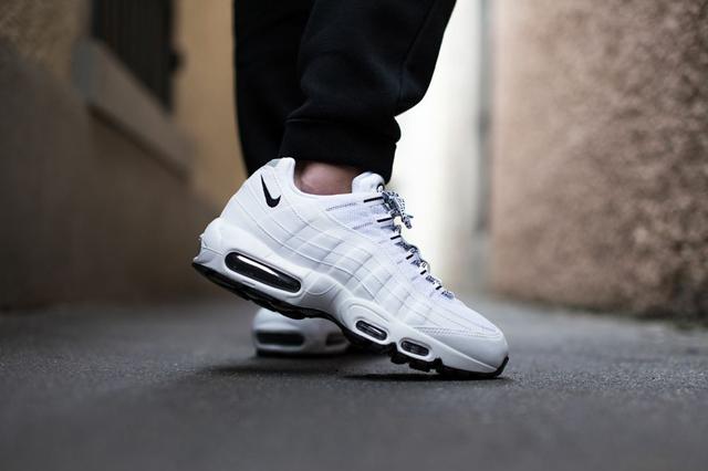 Nike 95 Black