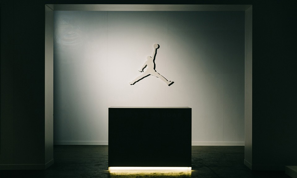 Jordan Hangar 洛杉矶室内篮球场细览