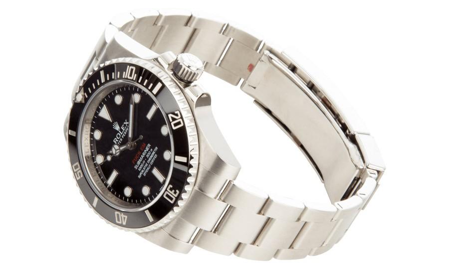 梦幻逸品,天价 Supreme x Rolex Submariner 联名表款现身网路发售