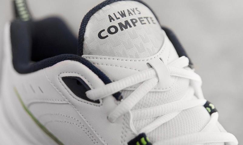 Nike 为 Pete Carroll 打造 Air Monarch IV PE 版本