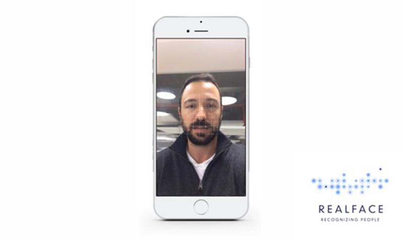 脸部识别即将加入 iPhone,苹果收购 REALFACE 公司
