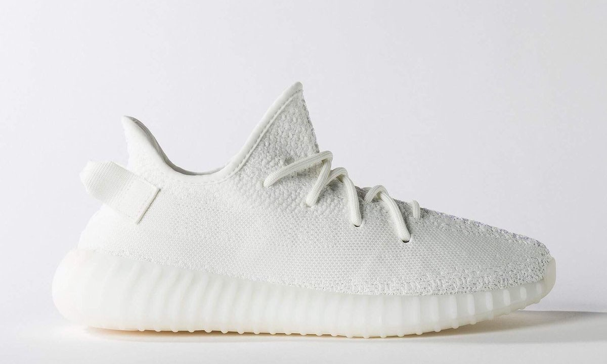 "Yeezy Boost 350 V2 ""Cream White"" 官方图片释出"