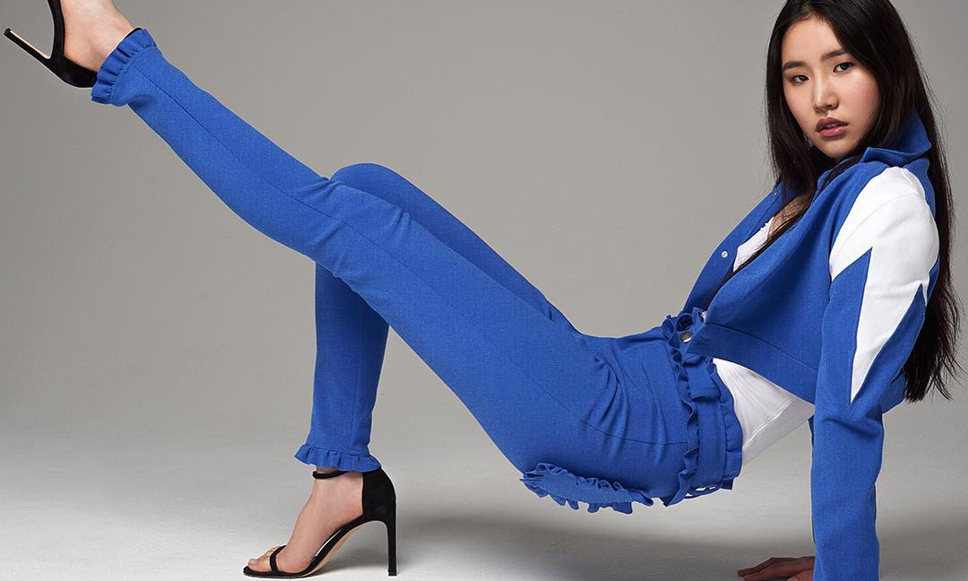 Google 也要玩时尚,联合设计师 Christopher Cowan 推出了一款牛仔裤