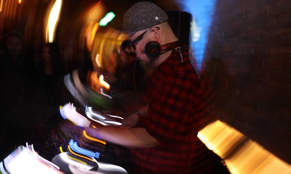 KMT DESIGN 带来东京式的 PARTY 之夜,日本顶尖 DJ 田中知之专访