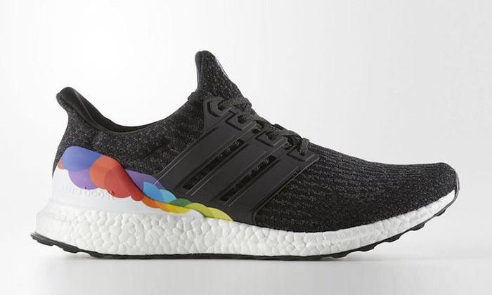 "adidas Ultra Boost 3.0 ""LGBT"" 配色官方图片释出"