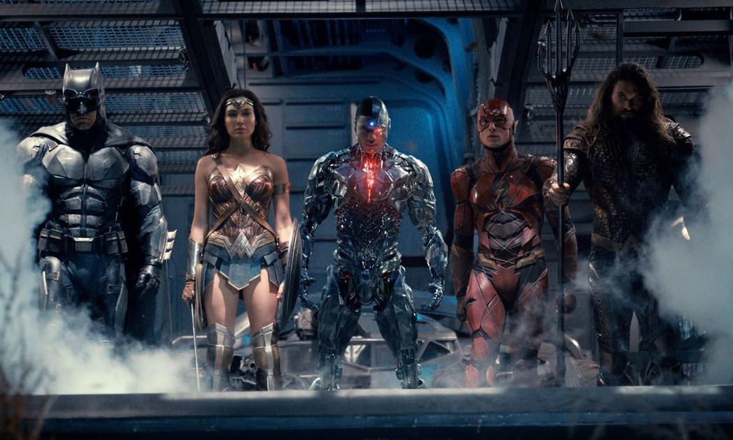 """《正义联盟》发布最新官方预告,蝙蝠侠调侃自己的超能力是""""有钱"""""""
