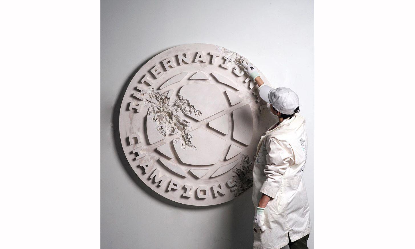 Daniel Arsham 携手国际冠军杯推出特别版作品