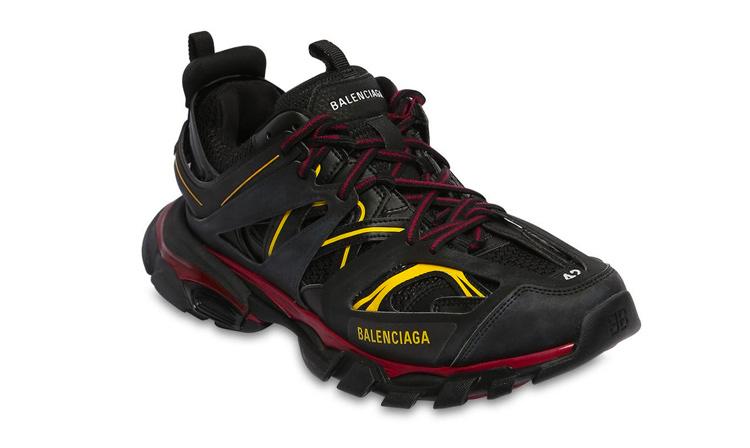 BALENCIAGA Track 鞋款迎来全新黑黄混合配色