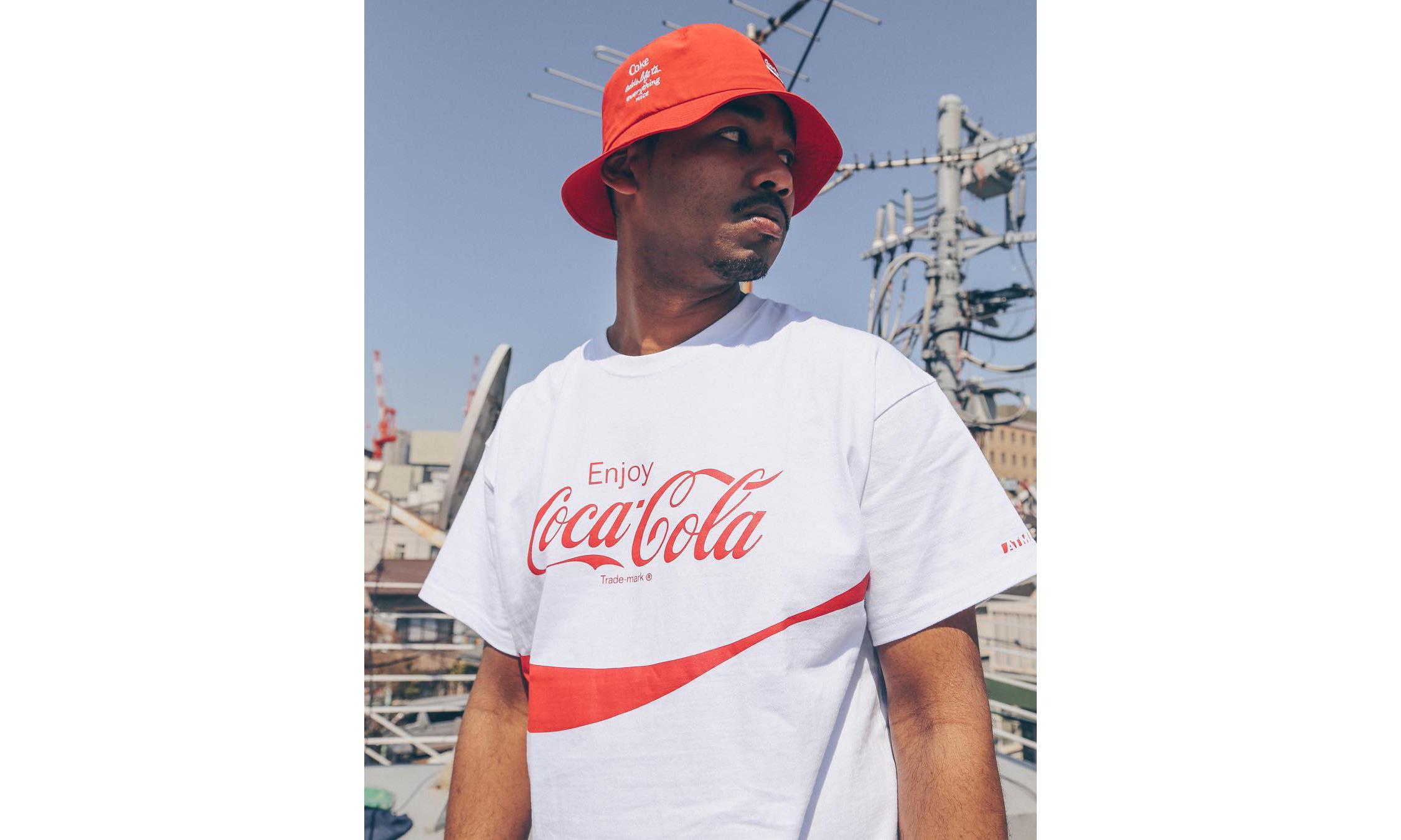 三色可乐上身,COCA-COLA by ATMOS LAB 联名系列开售