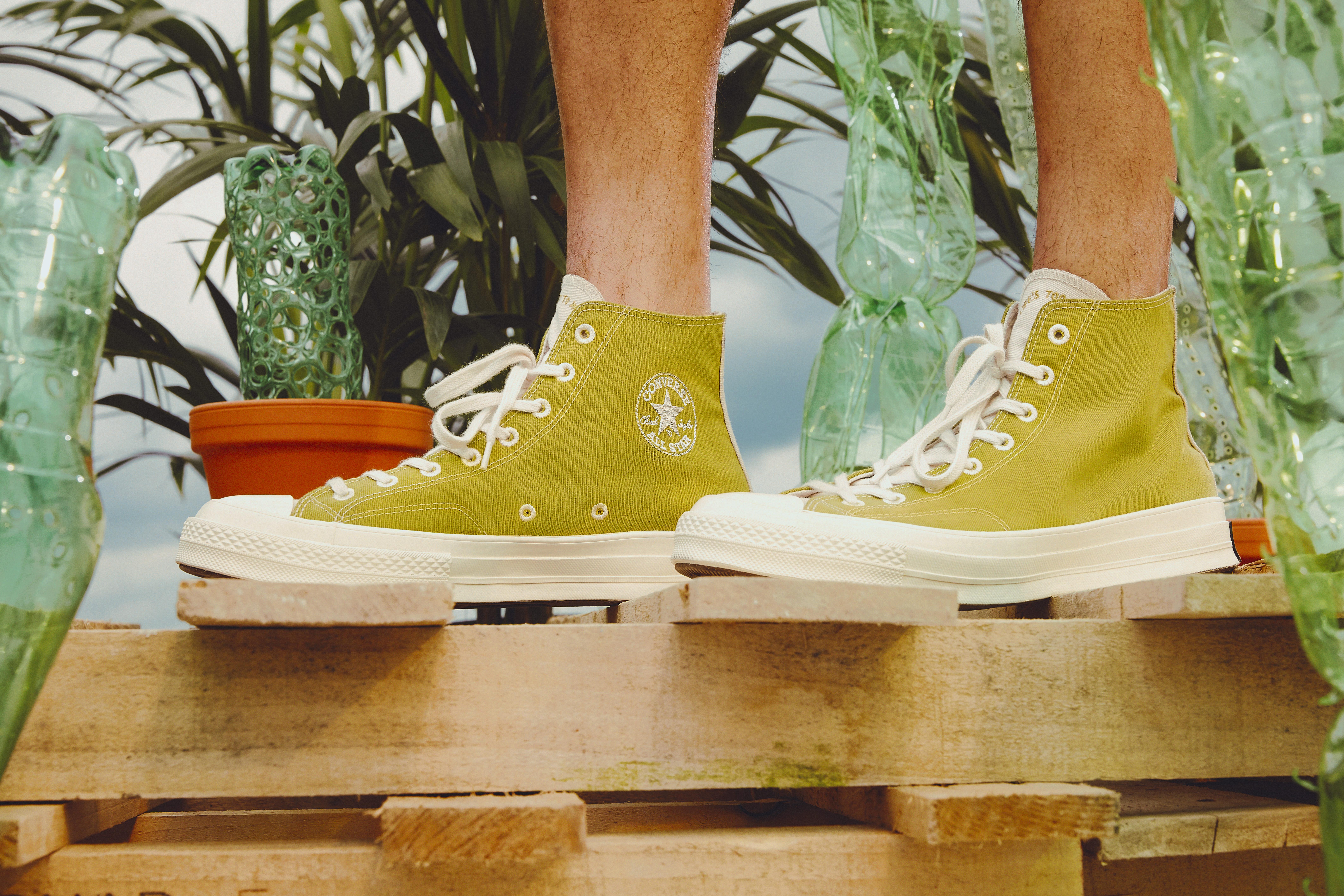 CONVERSE 用塑料瓶就能做出帆布鞋了?