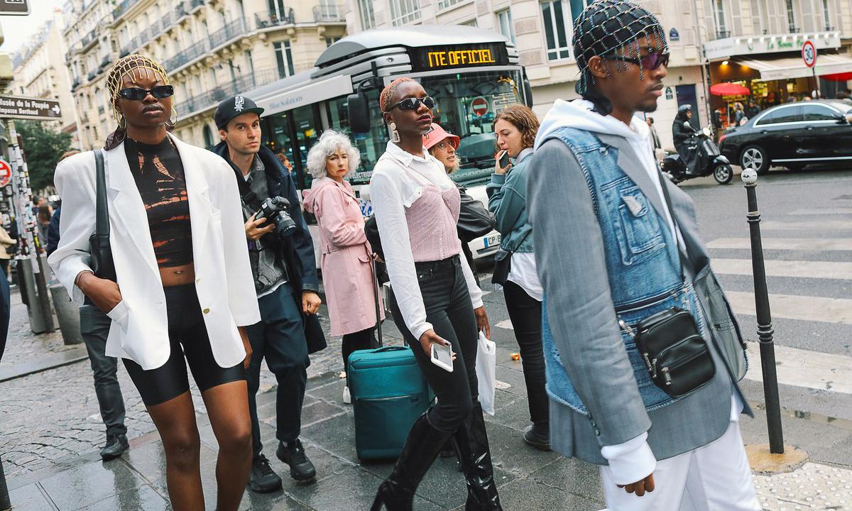时装周期间,Phil Oh 镜头下的巴黎街头风格