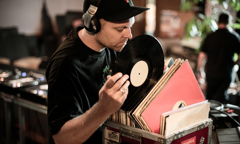 实验 Hip-Hop 先锋 DJ Shadow 宣布全新双碟专辑