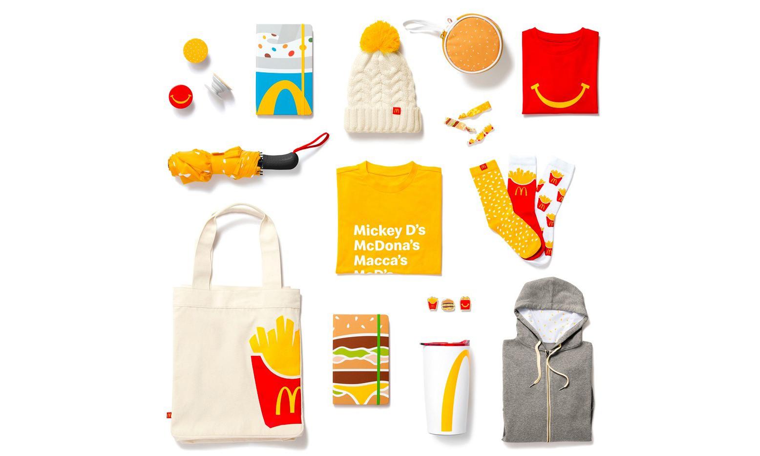 涉足时尚界,McDonald's 首次推出圣诞节时尚小物系列