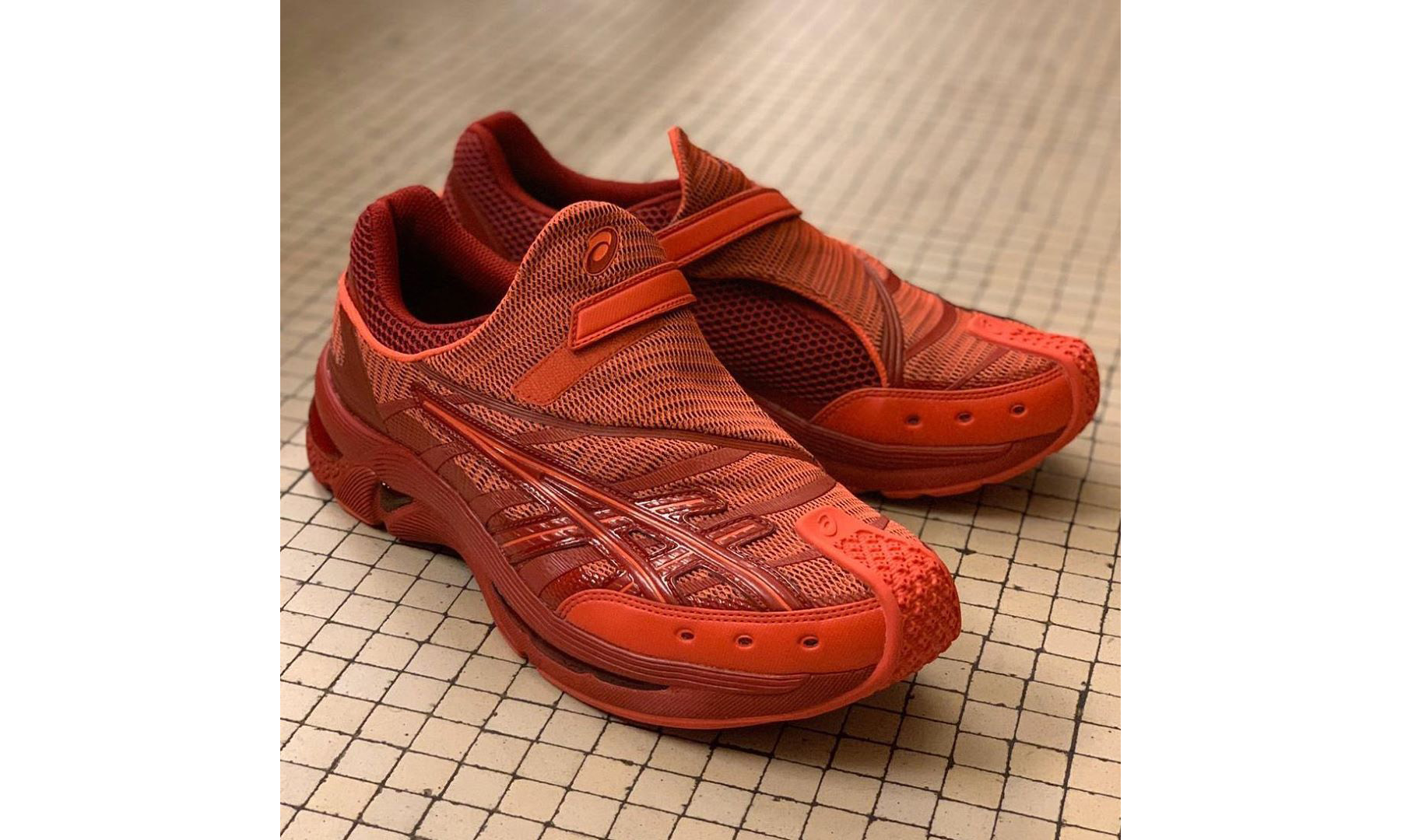 抢先预览 Kiko Kostadinov x ASICS 全新联名鞋款