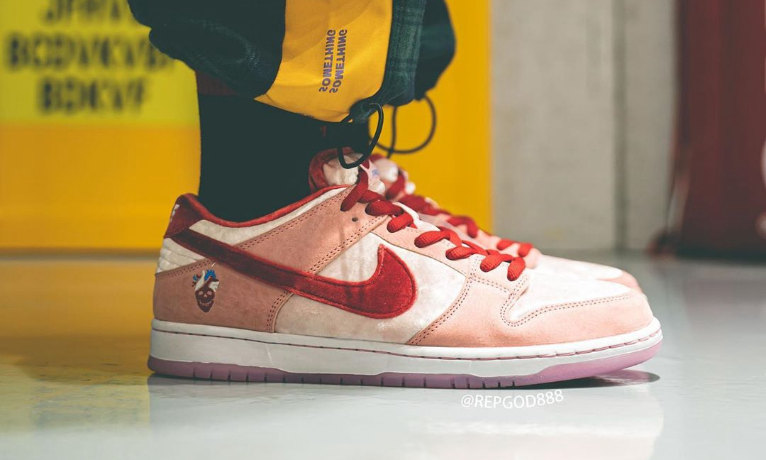 情人节专属,StrangeLove x Nike SB Dunk Low 实物近赏
