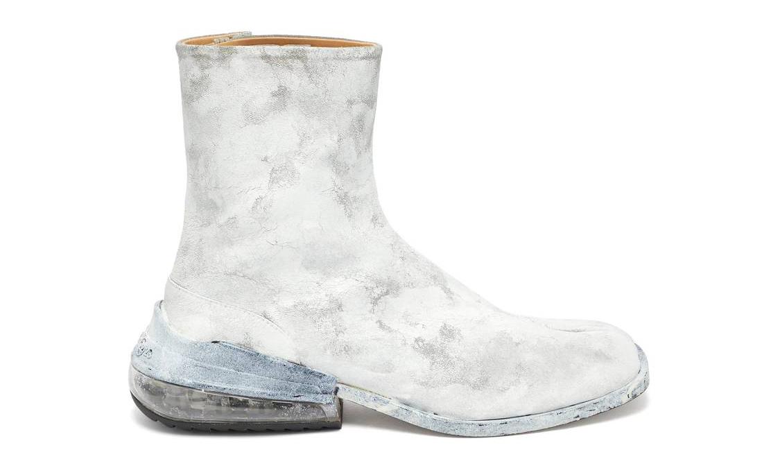 Maison Margiela 为经典 Tabi  分趾靴加入气垫设计