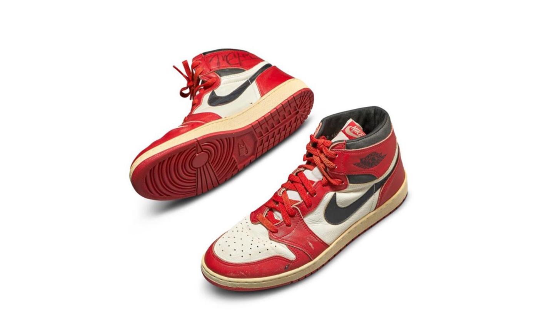 乔丹元年着用 Air Jordan I 拍卖最终以 56 万美元成交