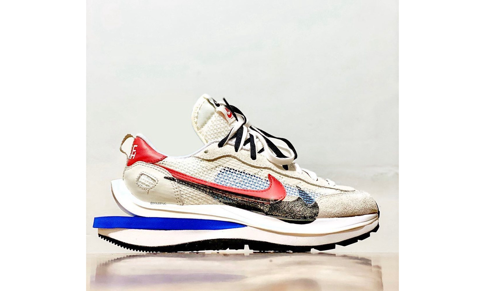 sacai x Nike Vaporwaffle 全新配色实物公开