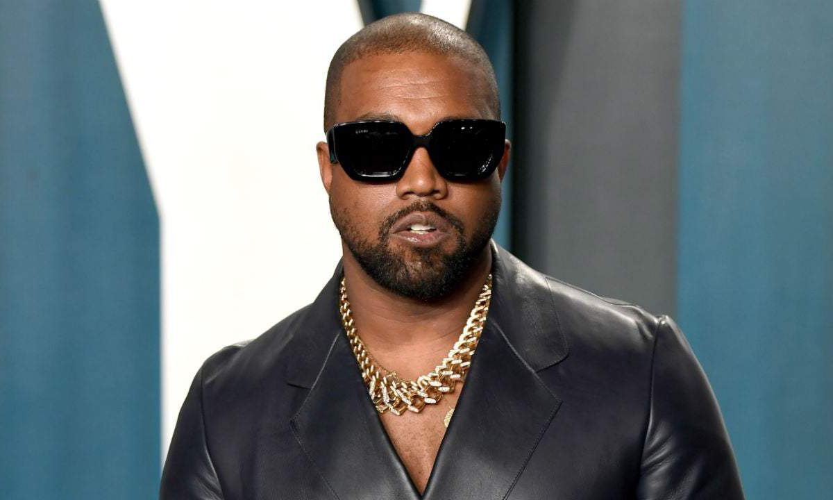 Kanye West 提交「West Day Ever」服装商标申请