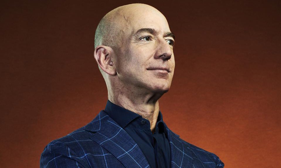 杰夫·贝索斯成为有史以来首位 2 千亿美元富豪