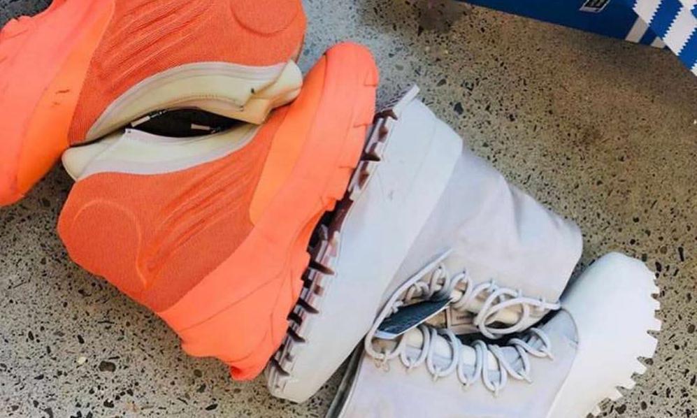近赏 Yeezy 两款全新「次世代」鞋履