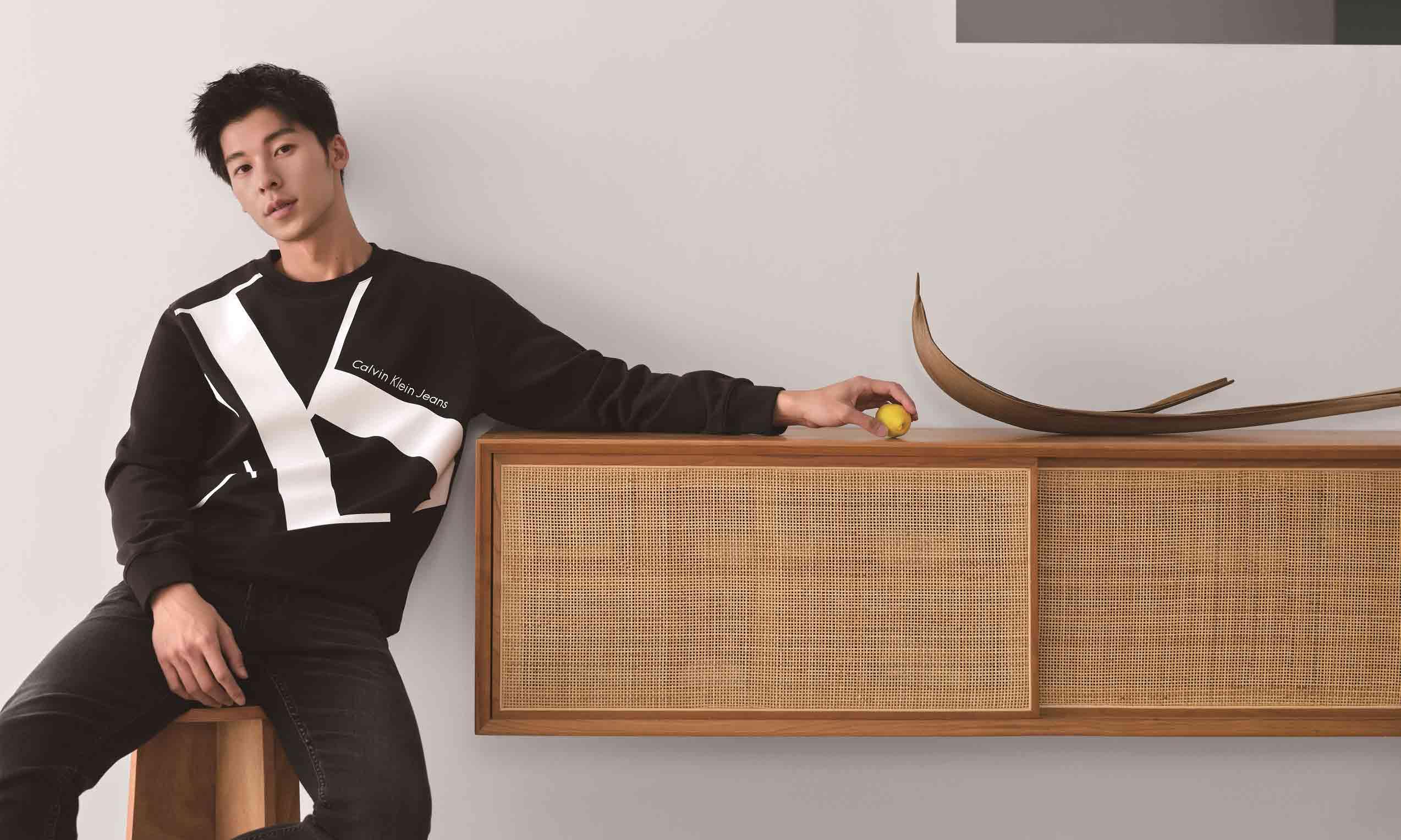 许光汉温柔演绎 ME IN #MYCALVINS#,Calvin Klein 2020 秋冬品牌大片释出