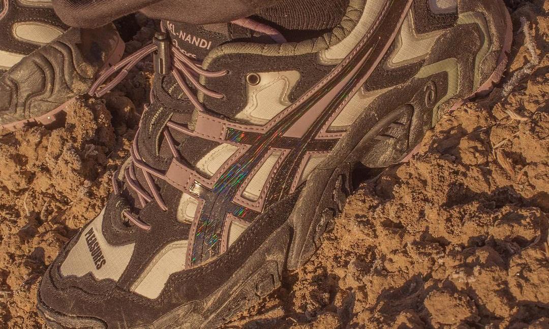 PLEASURES x ASICS GEL-NANDI OG 联名鞋款正式登场