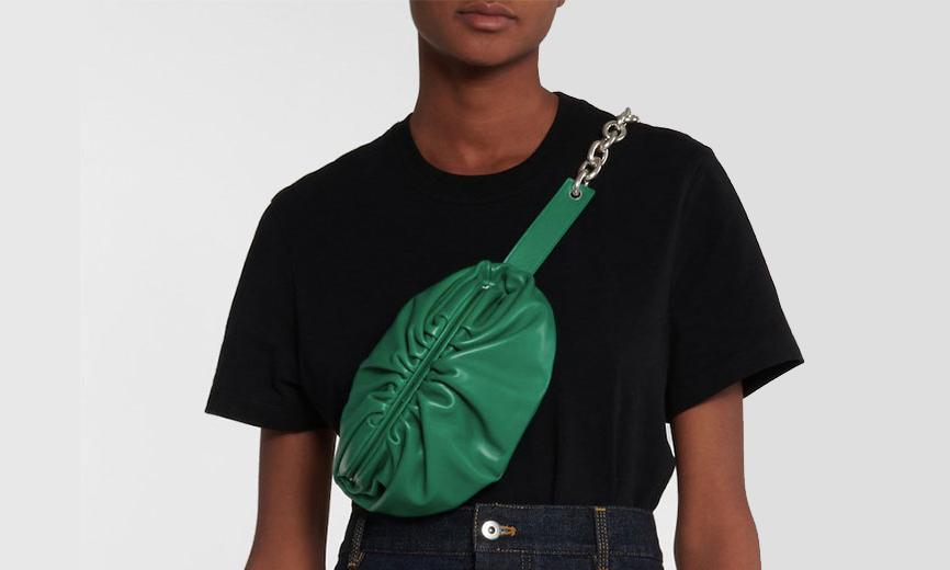 BOTTEGA VENETA 「云朵包」推出新款腰包版本