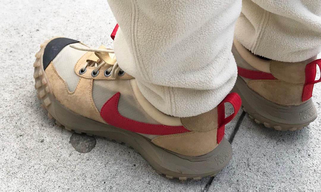Tom Sachs 亲着 Nike Mars Yard 2.5 另一版本