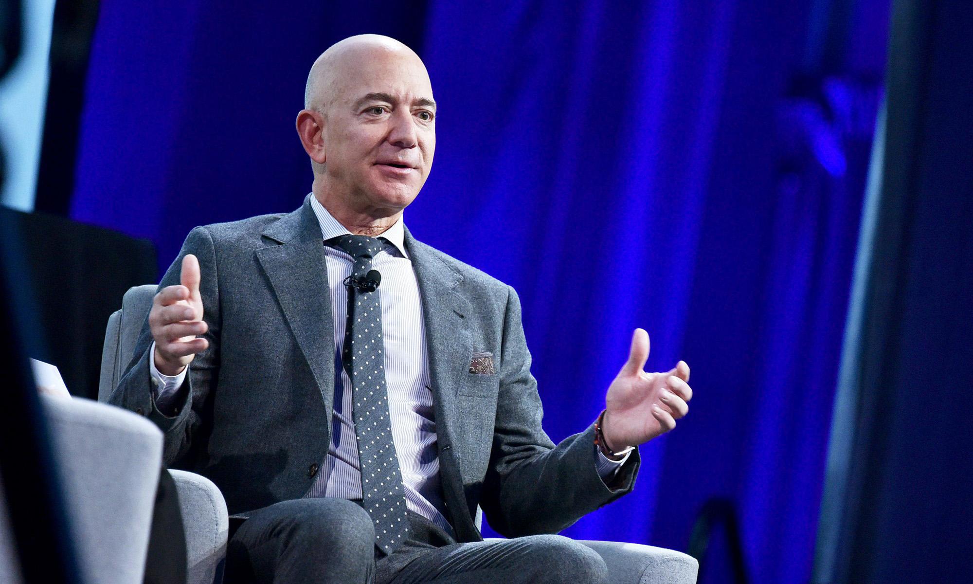 贝索斯宣布将辞去亚马逊 CEO 一职