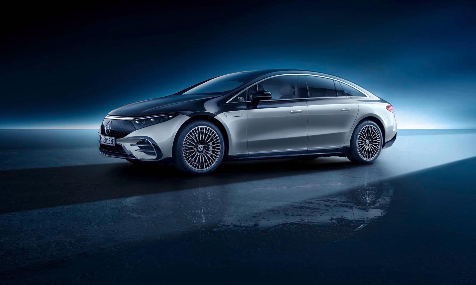 Mercedes-Benz 发布全新 EQS 全电动汽车