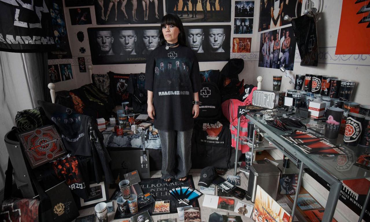 BALENCIAGA 携手金属乐队 Rammstein 推出限量胶囊系列