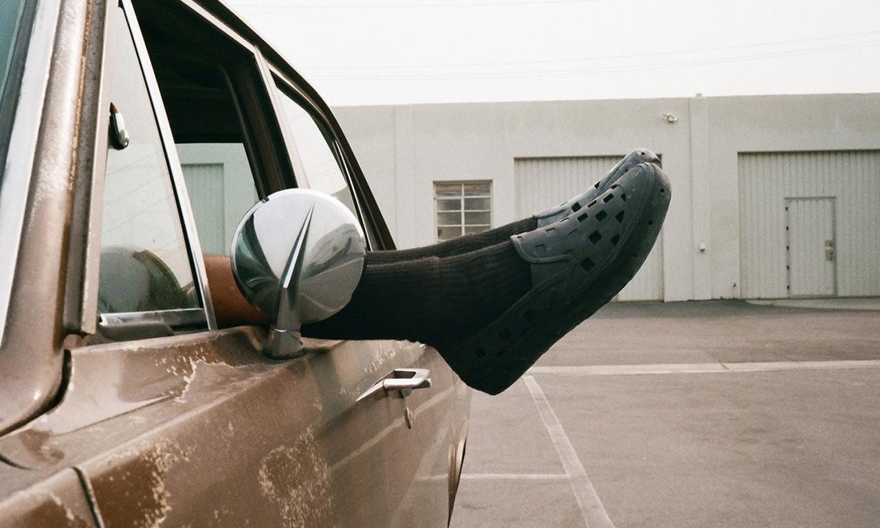 为夏日准备,Vans x CHRIS JOHANSON 联乘鞋款系列登场