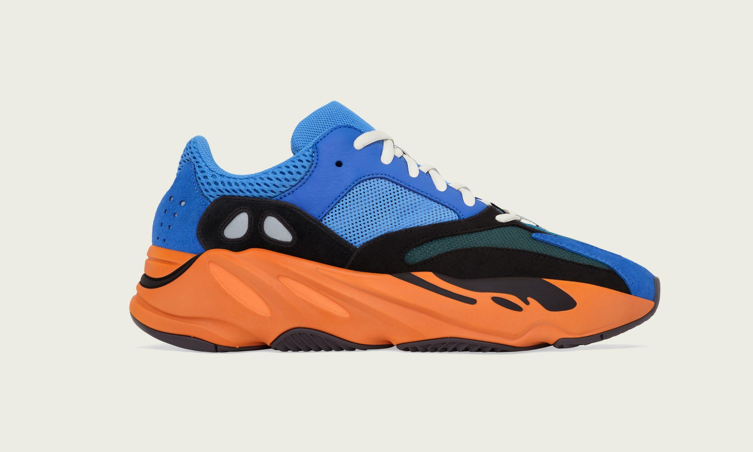 彩色信仰,adidas Originals 推出 YEEZY 700 Bright Blue 鞋款