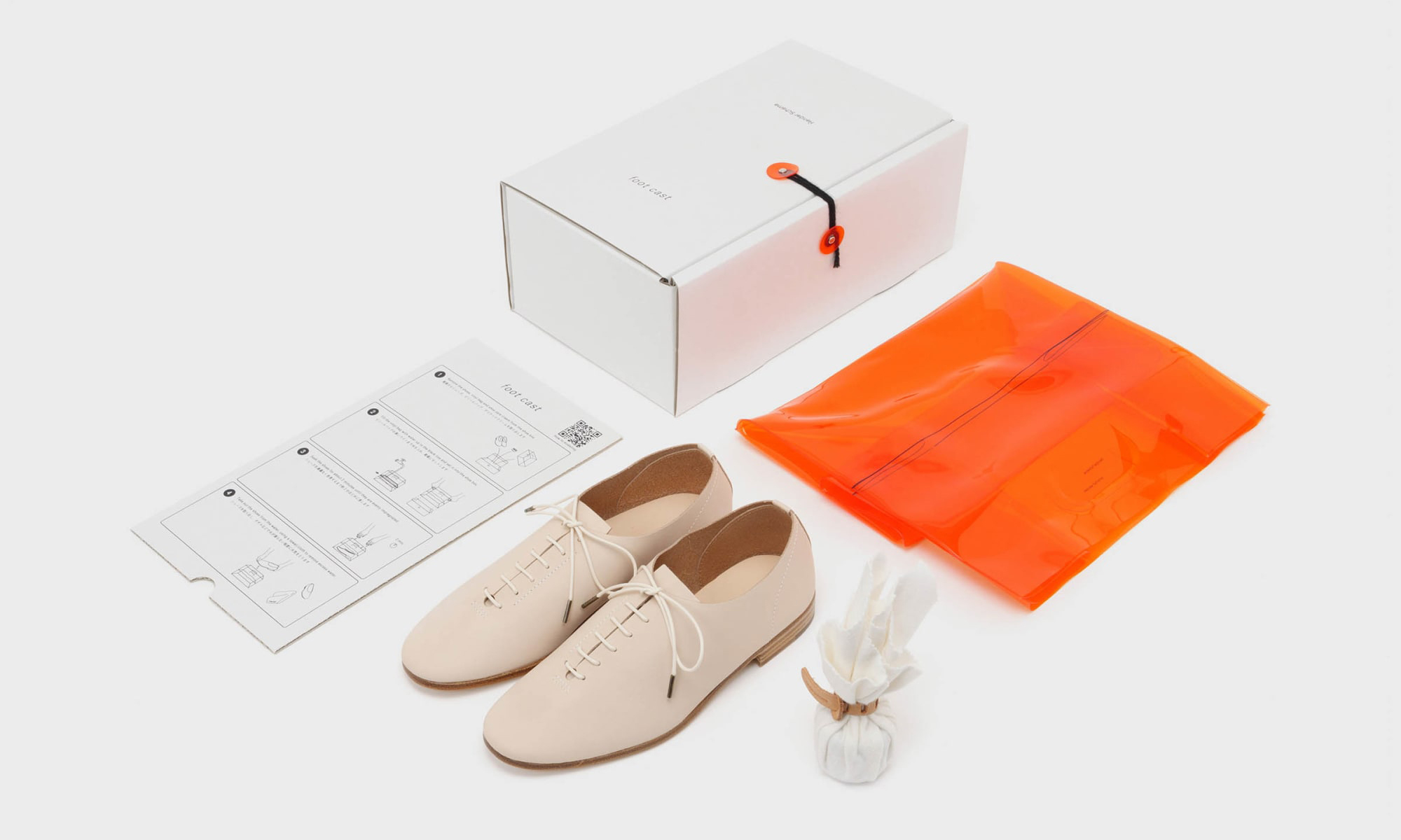 塑造贴合着用感,Hender Scheme 带来 Foot Cast 系列鞋款