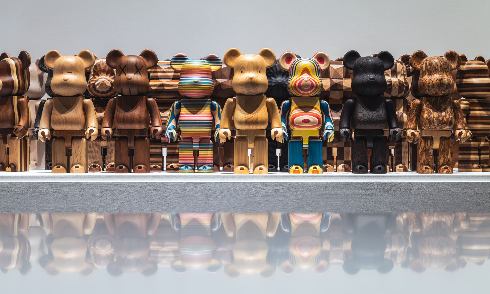 接近 900 亿零售规模的市场,在国内做潮流玩具是不是「前景无量」?
