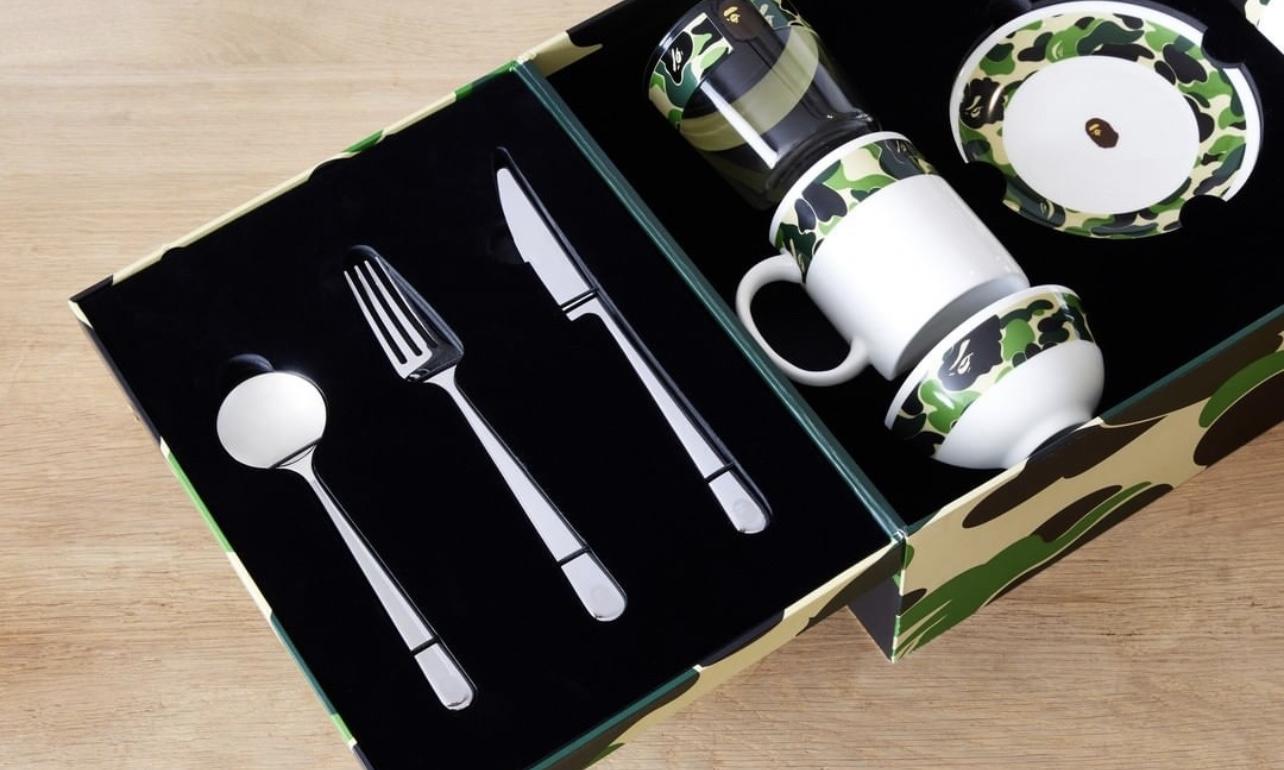 BAPE®  发布全套迷彩餐具套组
