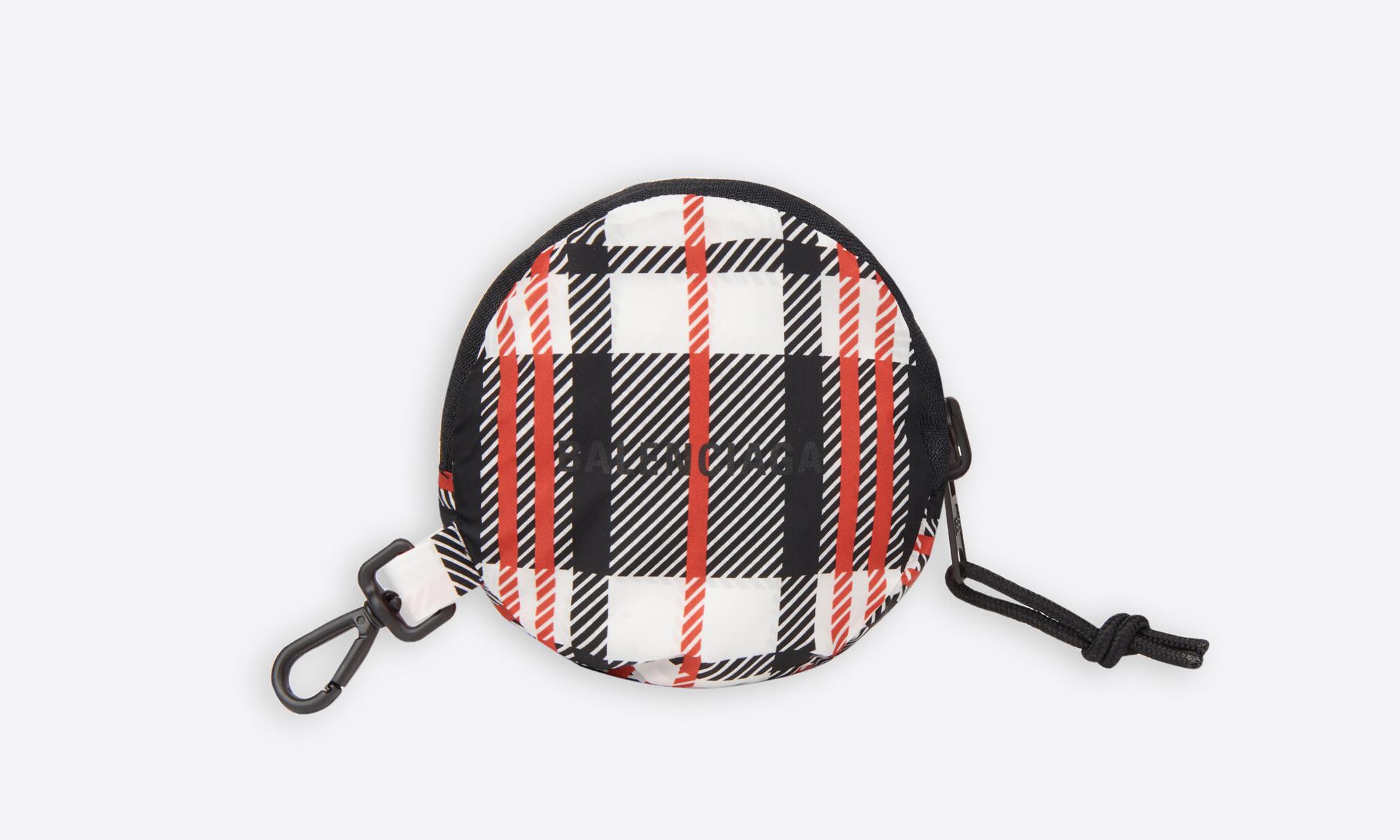 BALENCIAGA 推出可收纳购物袋