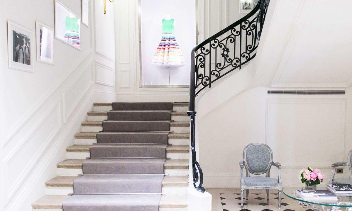 告别蒙田大道,DIOR 巴黎总部将迁移至香榭丽舍大街