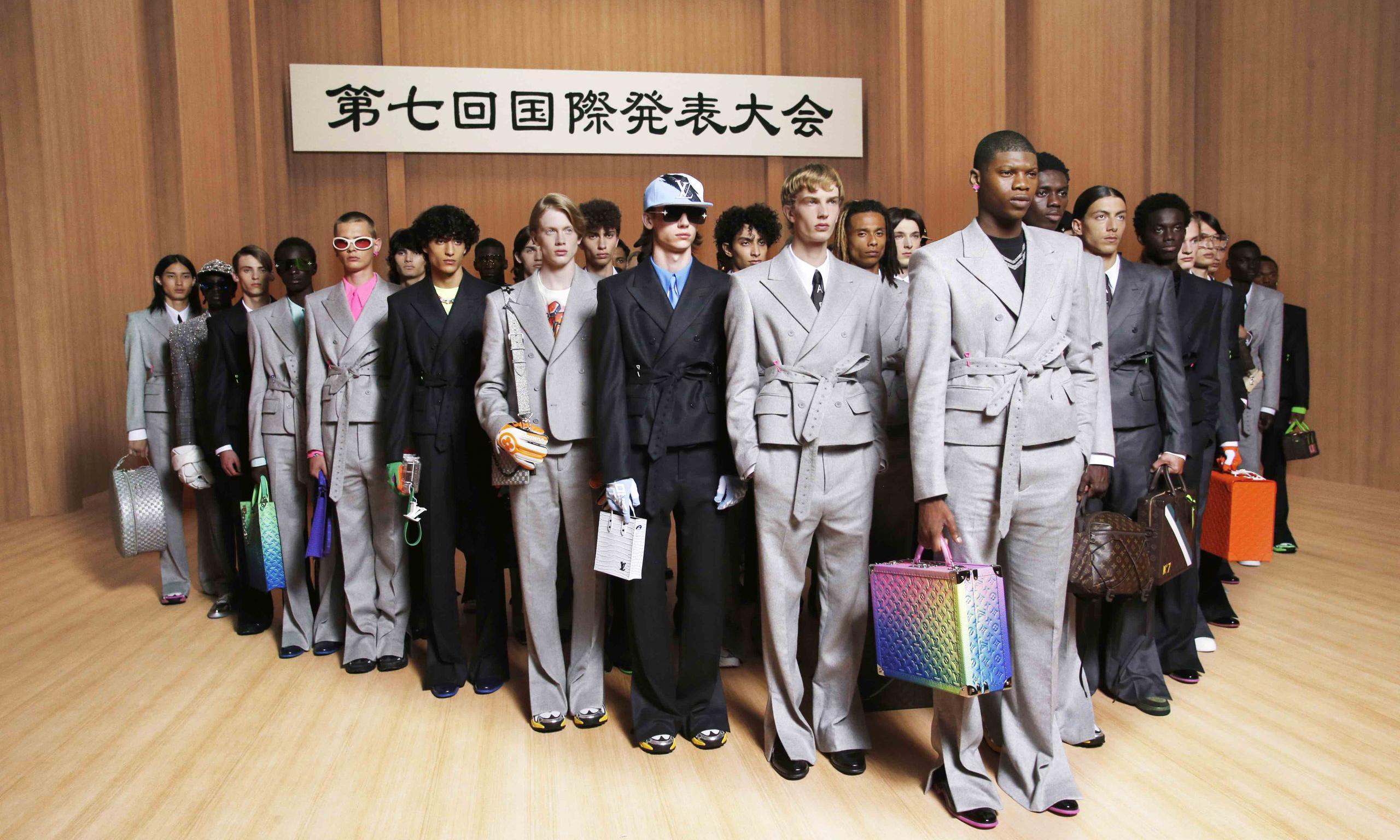 LV 2022 春夏男装展现的「对抗与融合」:Virgil 世界观的新起点