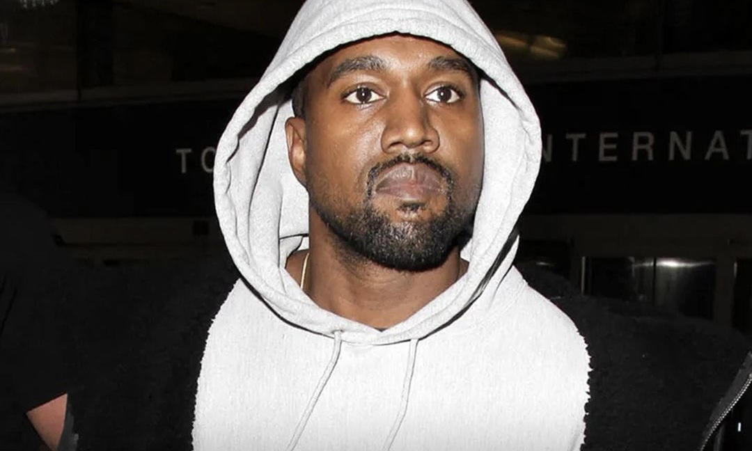 Kanye West 再次上脚天价 Nike 球鞋