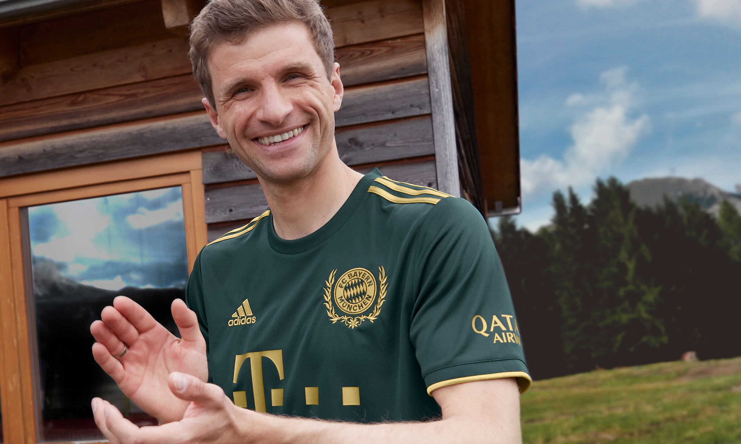 拜仁慕尼黑发布啤酒节主题新球衣