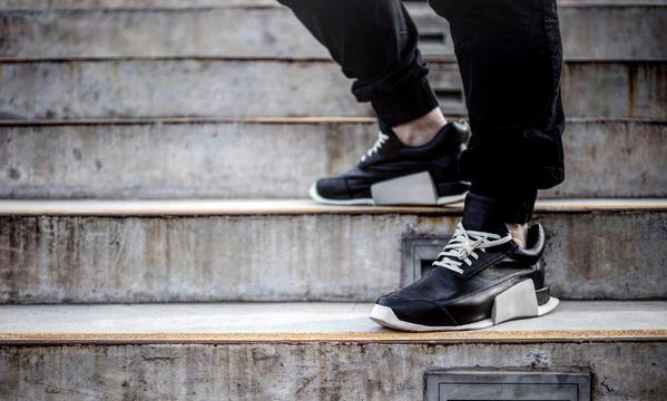 来提前感受一下 adidas by Rick Owens 全新鞋款的上脚效果